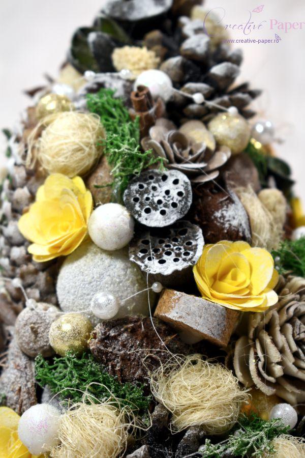 Aranjamente de Craciun Handmade Bradut Galben Auriu